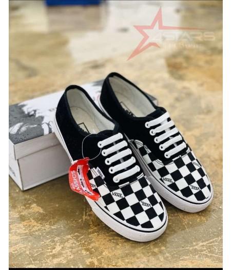 Checkered Classic Vans Black and White