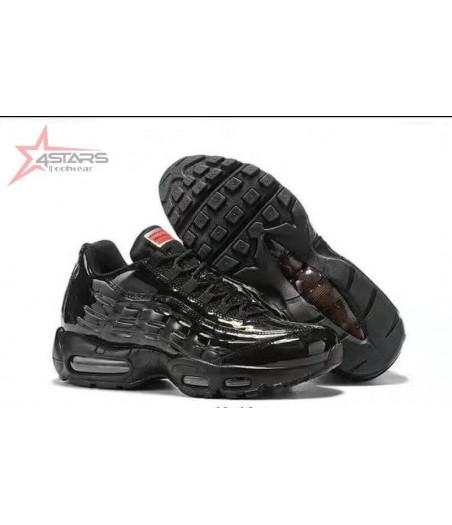 Nike Air Max 95 - Triple Black
