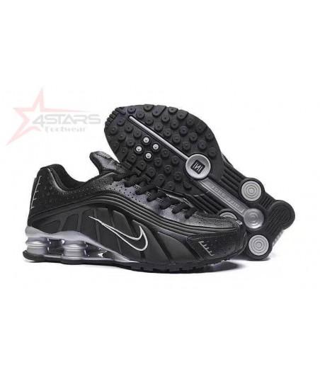 Nike Shox R4 - Black